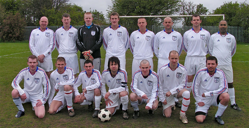 The team pictured prior to the game in the new Adidas second shirts (previously worn against The Fort in our home game on 8th April).  Standing from left to right are Mark Muers, Gareth Stoker, David Simpson, Anthony Pearson, Kyle Robinson, Simon Mulvaney, Dave Graham, Davinder Sangha.  Sitting are Chris Dixon, Marc McDermont, Stephen Conlin, Dave Gourlay, David